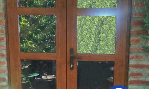puerta pvc cafe